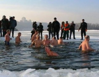 Медицинские работники напоминают о необходимости соблюдения правил безопасности при купании в купелях в праздник Крещения