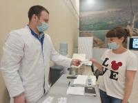 Привившихся в самом крупном центре вакцинации Волгоградской области поощрят дважды