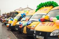 Волгоградская область получит дополнительно еще 36 школьных автобусов и шесть машин скорой помощи