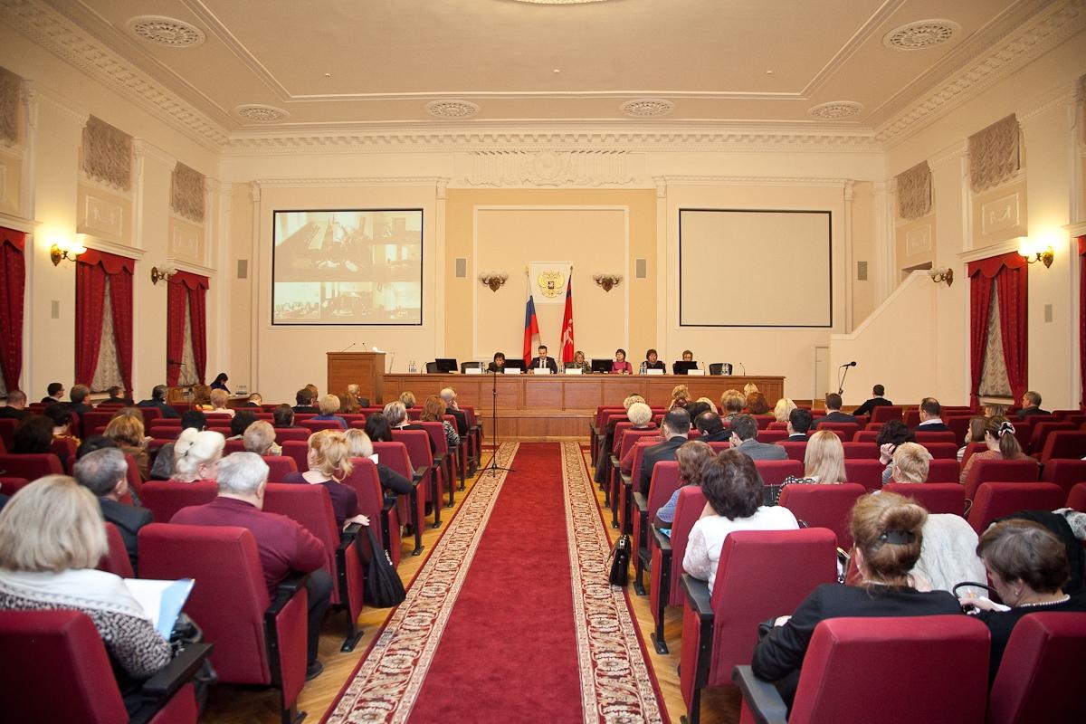 Председатель комитета здравоохранения Владимир Шкарин провел ежемесячное расширенное совещание с главными врачами