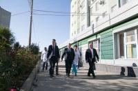 Андрей Бочаров о развитии территории возле больницы № 7: «Масштабные работы идут в плановом порядке и будут завершены до конца года»