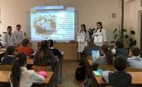 Волонтеры областного медицинского колледжа обучают сверстников основам здоровья