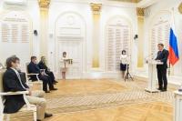 Михаил Мурашко и Андрей Бочаров приняли участие в церемонии награждения медиков Волгоградской области