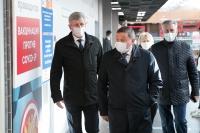 Андрей Бочаров проинспектировал работу пунктов вакцинации от коронавирусной инфекции