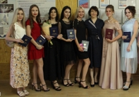 В Волгоградском медицинском колледже вручили дипломы выпускникам