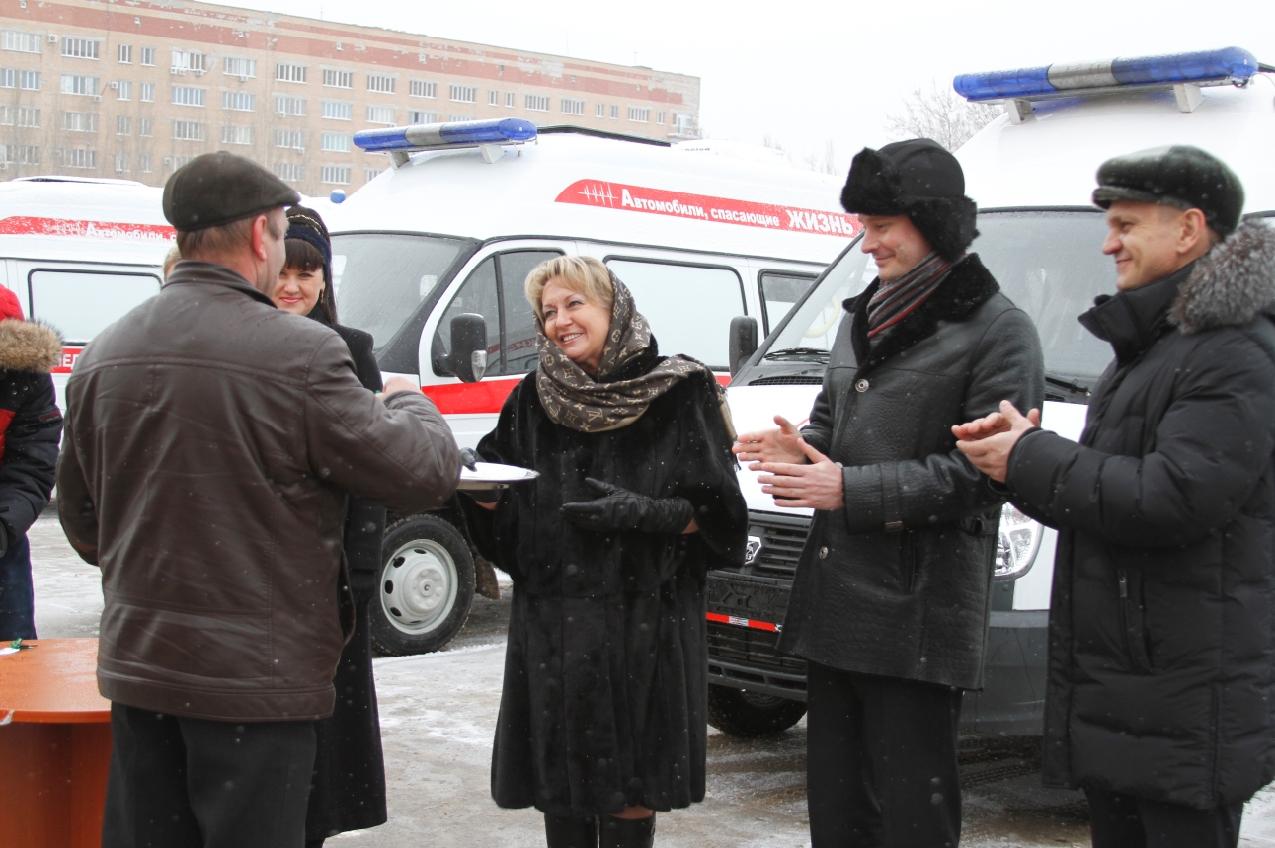 Медицинским учреждениям Волгоградской области передали новые машины скорой помощи