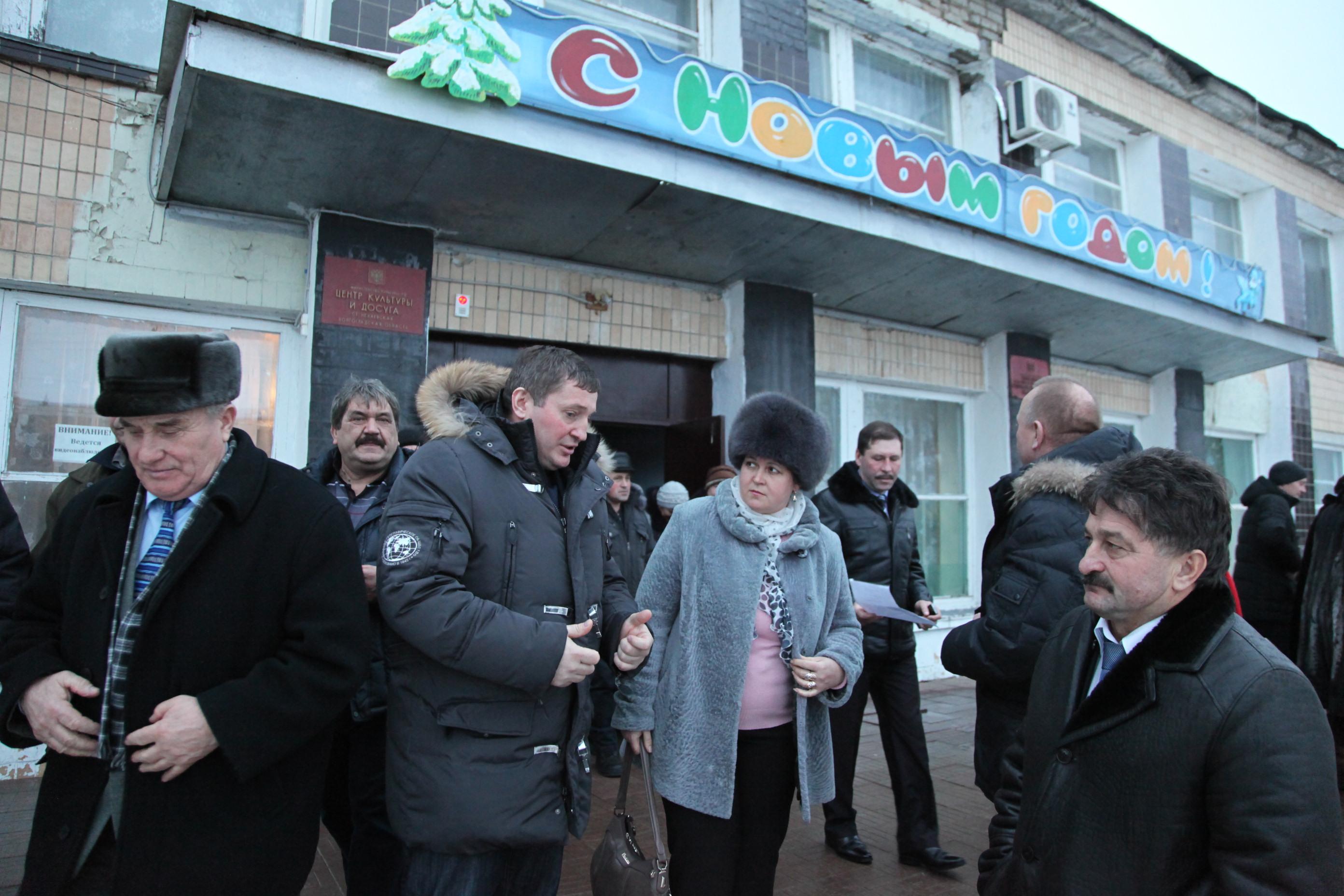 Губернатор провел встречу с жителями Нехаевского района и проинспектировал работу местной ЦРБ