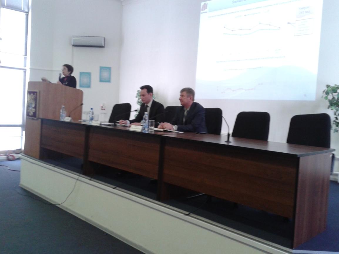 Председатель облздрава Владимир Шкарин провел видеоселекторное совещание