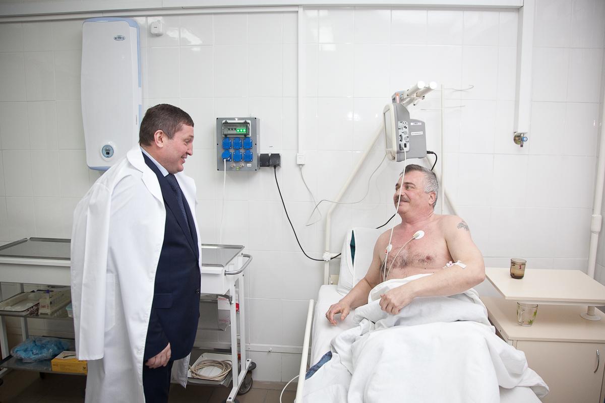Андрей Бочаров проинспектировал работу больницы № 25
