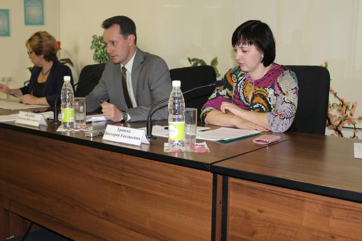 Министр здравоохранения Волгоградской области Владимир Шкарин провел очередное видеоселекторное совещание