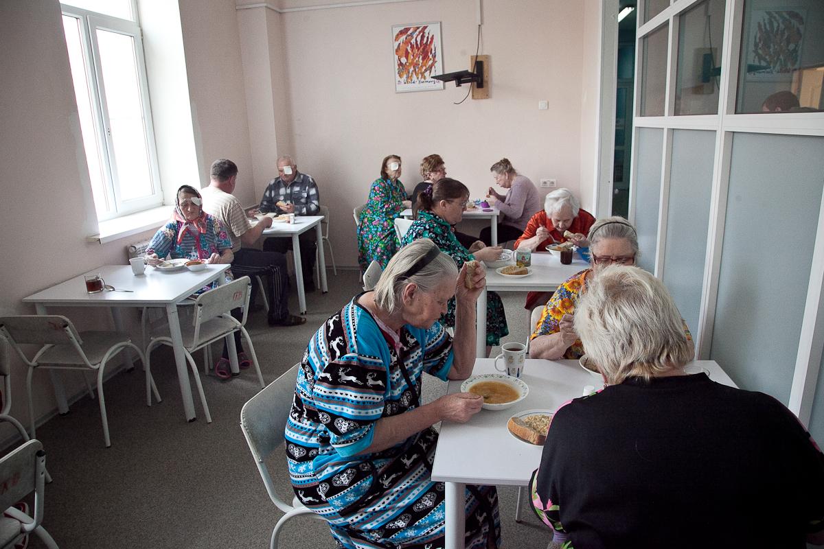 Администрация региона контролирует качество питания в больницах
